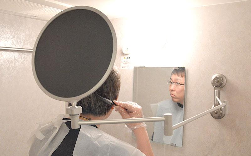 日本Thanko创意产品设计,折叠染发镜子